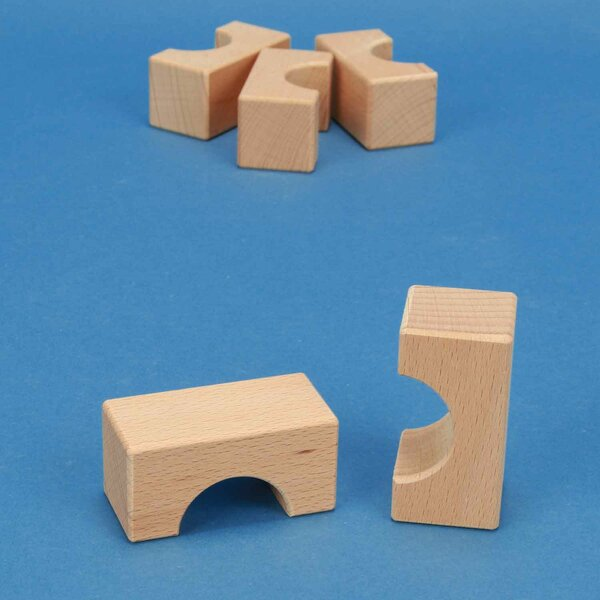 wooden block little bridge 6 x 3 x 3 cm - 3 cm halfdrilled