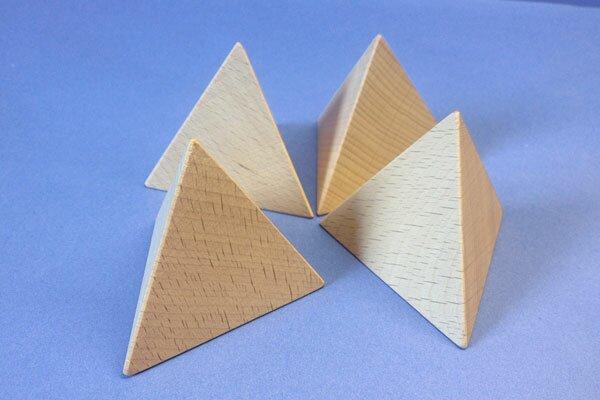 Tetrahedron 8 cm