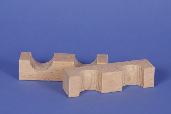 wooden block little bridge 12 x 3 x 3 cm - 3 cm halfdrilled