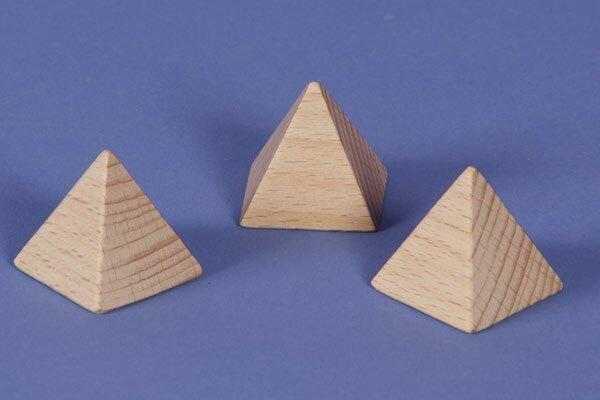 Pyramid made of beech 4,5 x 4,5 x 4,5 cm