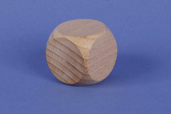 wooden dices 2 cm