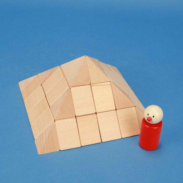 small pyramid-set in beechwood 9 cm