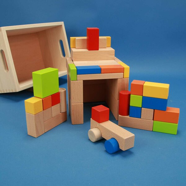 Set of 50 wooden blocks coloured with Car in laserengraved box