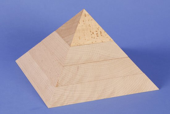 large flat square base pyramid 24 x 24 x 15 cm