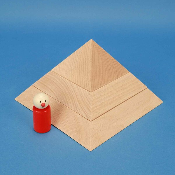 large flat square base pyramid 19 x 19 x 12 cm