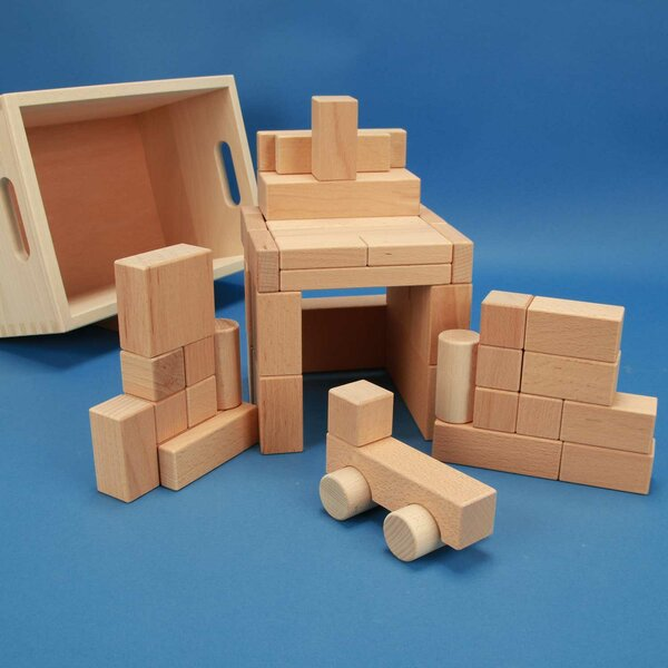 Set of 50 selected blocks in the beech box wtih car