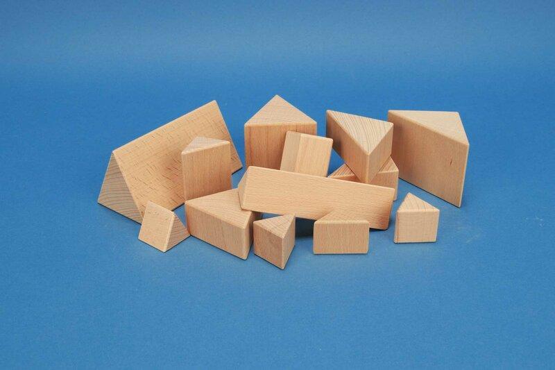 wooden triangular pillars