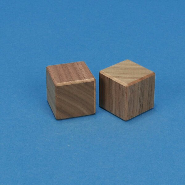 wooden cubes in walnut 3 cm