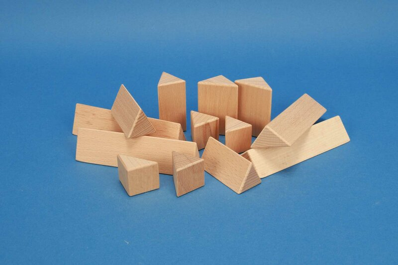 wooden triangular pillars 3 cm