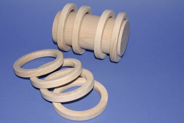 Ring made of beechwood Ø 8,3 x 1,1 cm