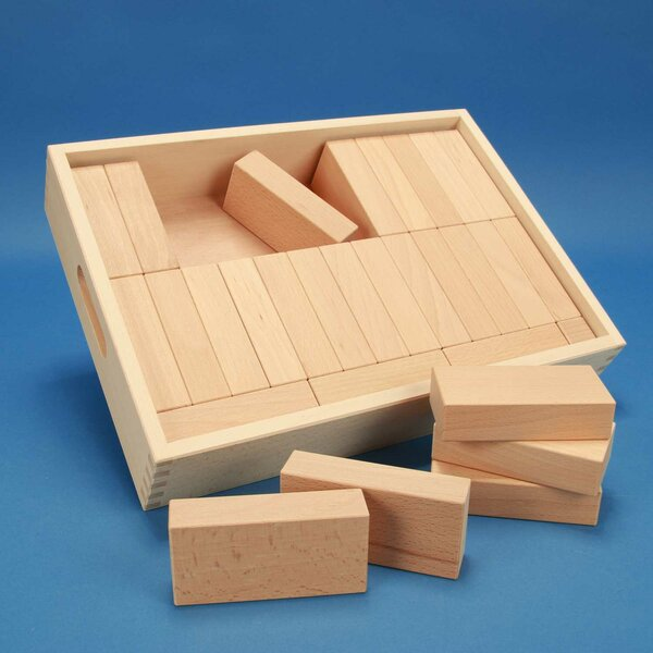 Wooden blocks set « Fröbel-Special 29 »in a flat beechwood box